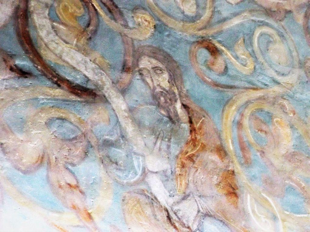 L'ancienne chapelle privée des abbés de Moissac. Les fresques de Sigéna en Aragon et un extrait de la Bible de Winchester