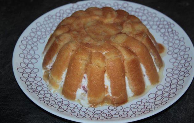 """Charlotte """"Pschitt"""" aux fraises (Tupperware)"""