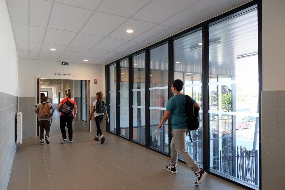 Le collège Henri Lefeuvre d'Arnage inauguré