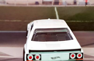 82 NISSAN SKYLINE R30 1982 HOT WHEELS 1/64.