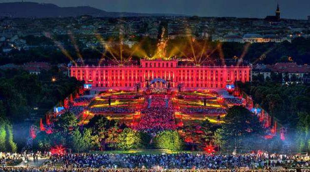 """""""Au clair de la lune - Concert des nuits d'été de Schönbrunn 2019"""" dans la nuit du lundi 02 au mardi 03 septembre à 00h25 sur France 2"""