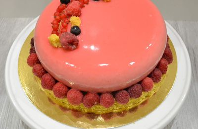 Entremets éclipse aux fruits rouges