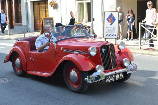 Tour du LOIRET des voitures anciennes 2014