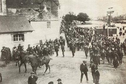 1903. Grève aux forges d'Hennebont