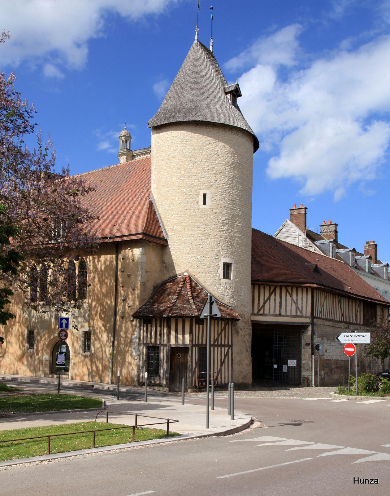 Troyes, hôtel du Petit Louvre