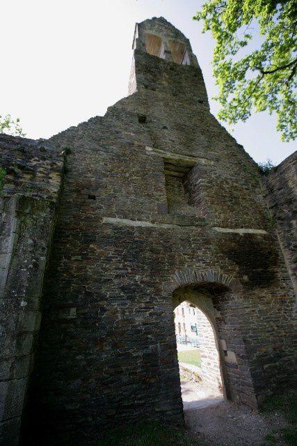 Diaporama église fortifiée et remparts de Malestroit