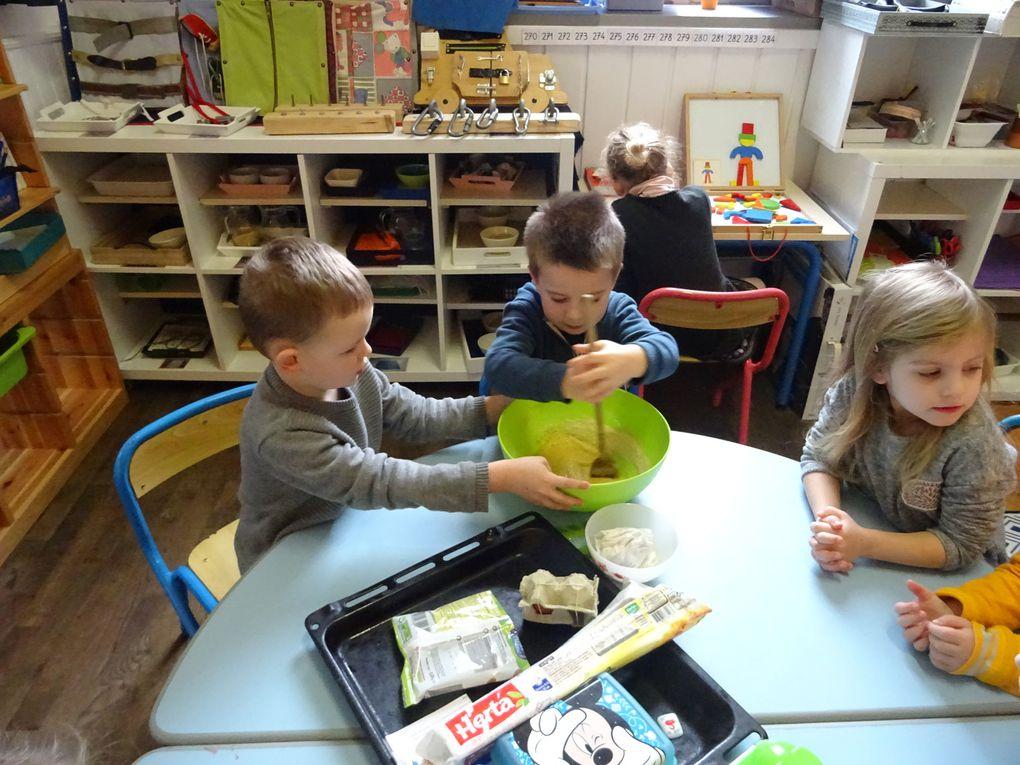 Galettes des rois pour les 2 classes de Maternelle