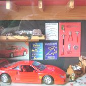 GARAGE FERRARI COFFRET DIORAMA SALON AUTO GENEVE - car-collector.net