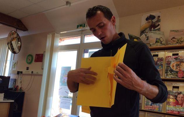 Paul Rouillac est venu nous apprendre à faire des Pop Up à la bibliothèque