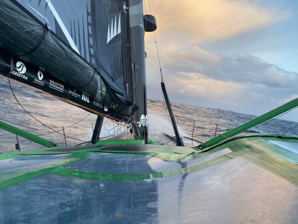 Vendée Globe 2020 – Maxime Sorel : « Comme dans les pires films de tempêtes »