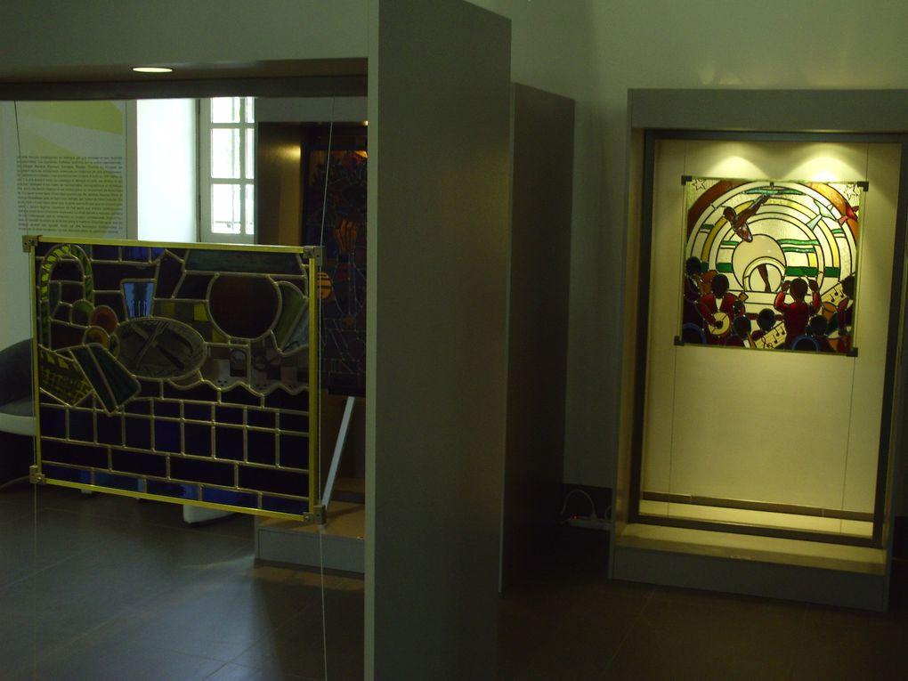 DIAPORAMA 36 PHOTOS - MUSÉE DU VITRAIL . INSTRUCTIF