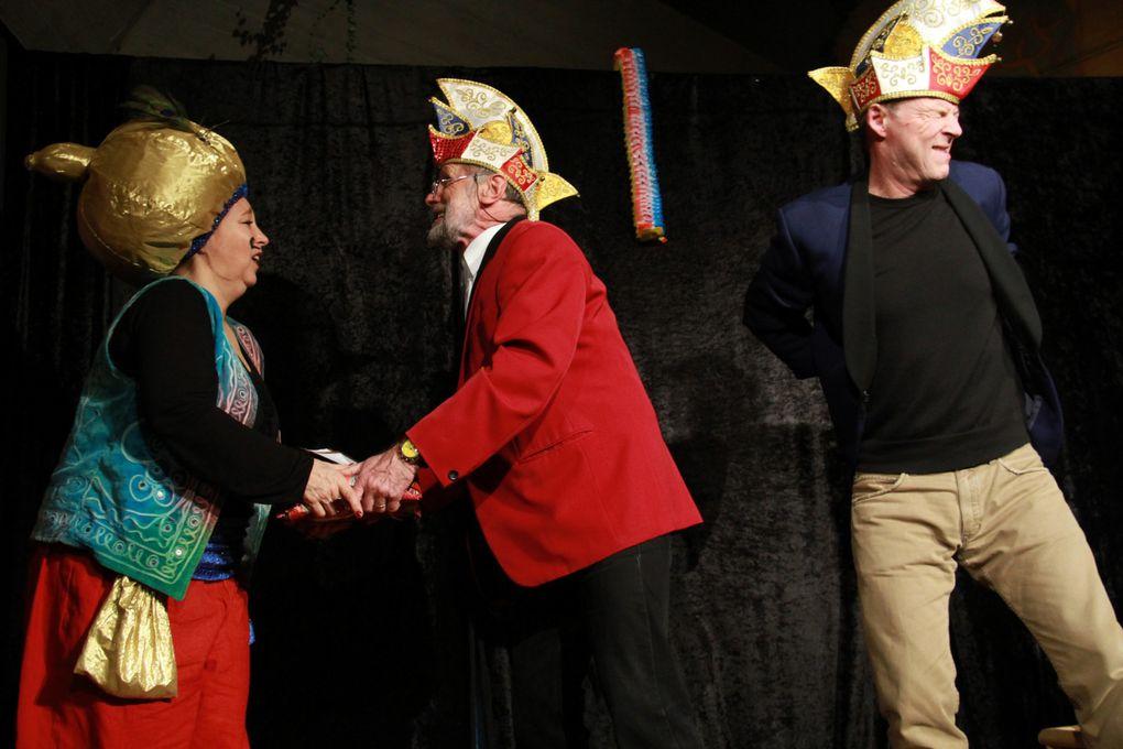 """Fotos vom neuen Programm """"Keine Ahnung"""" in der Aula der Eichendorffschule am 30.12.2012 - Bericht auf Veitshöchheim News folgt"""