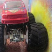 GUNSLINGER MONSTER JAM HOT WHEELS 1/64 - car-collector.net