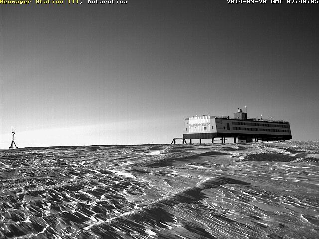 webcam Neumayer STATION et PALAOA lever de SOLEIL
