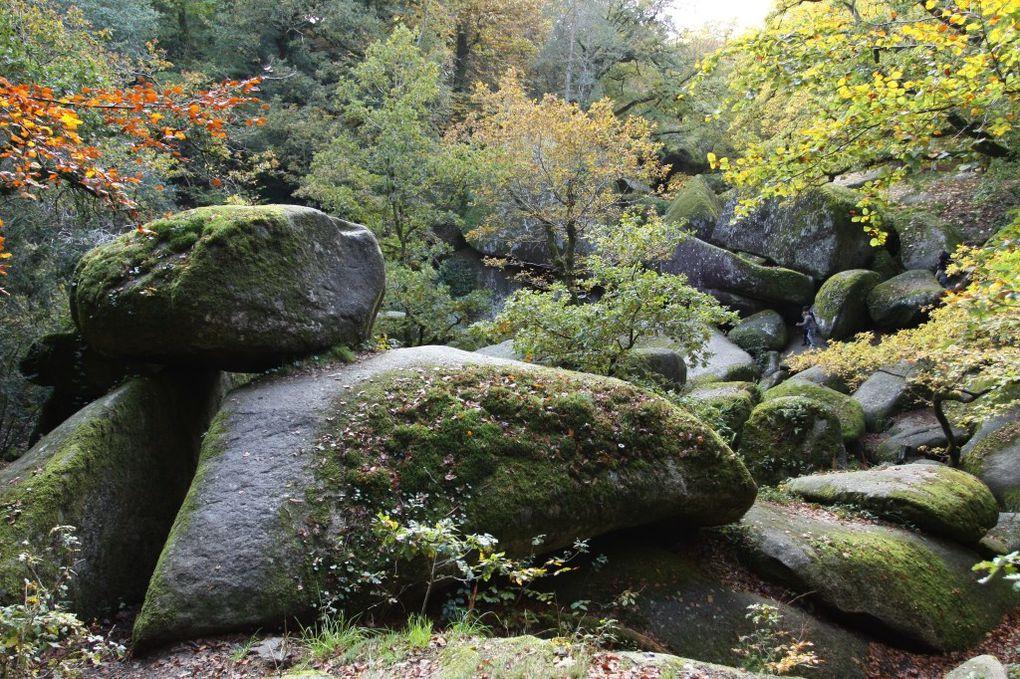 Huelgoat et sa superbe forêt et rochers chaotiques ou se perd la rivière d'argent...