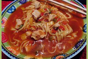 Nouilles chinoises aux poivrons et poulet