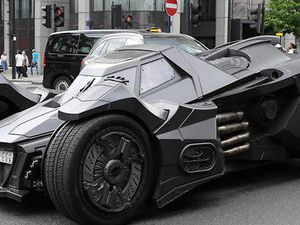 La Batmobile victime d'un accident!