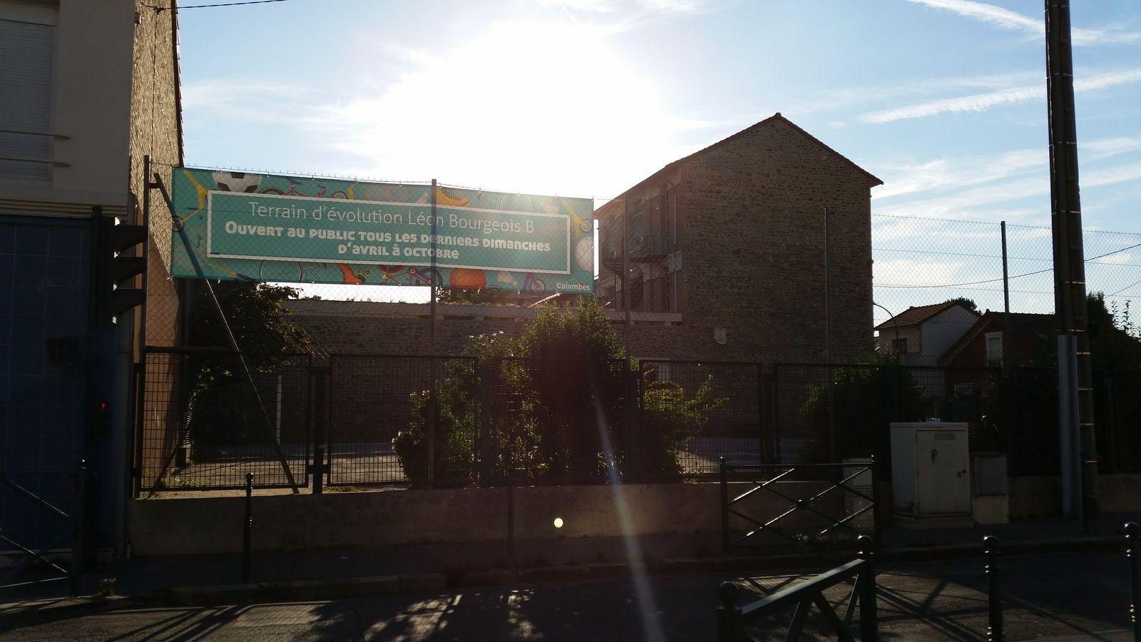 PETITE GARENNE - COLOMBES : ouverture au public ce jour du stade évolution de l'école Léon Bourgeois B