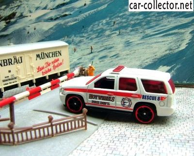 07-chevy-tahoe-chevrolet-tahoe-2007-city-works-2009-hot-wheels