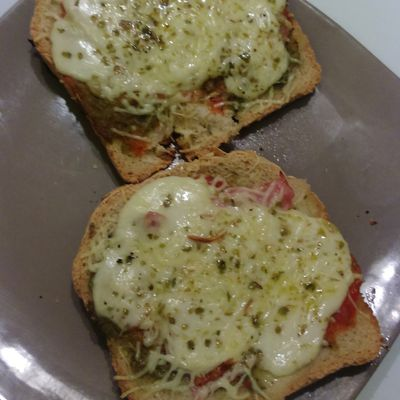 Bruschetta jambon mozza