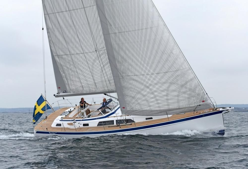 European Yacht of the Year 2018 - voiliers nominés Luxury Cruisers : Hallberg Rassy 44, Amel 50 et Ice 60