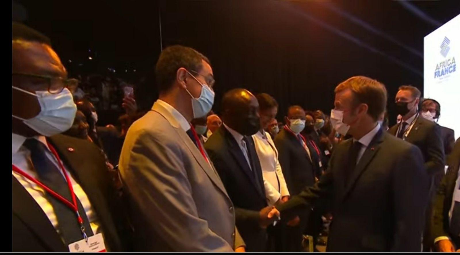«Le président MACRON gravement chahuté au sommet Afrique-Afrique, au show de Montpellier» par Amadou Bal BA - http://baamadou.over-blog.fr/