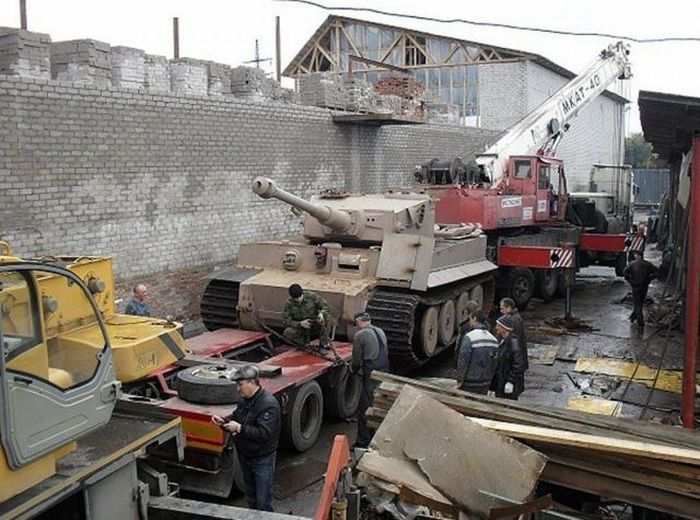 Avec un peu de récupération et beaucoup de travail, voici comment construire son tank. Utile dans certains pays...