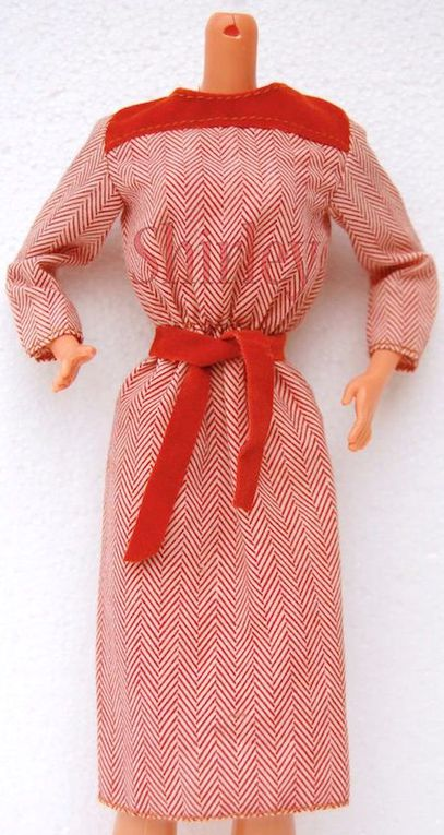 """FASHION COLLECTIBLES"" FOR BARBIE DOLL 1979 MATTEL #1907"