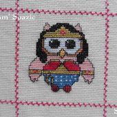 Plaid Chouette brodée 163 : Chouette Wonder Woman - Chez Mamigoz