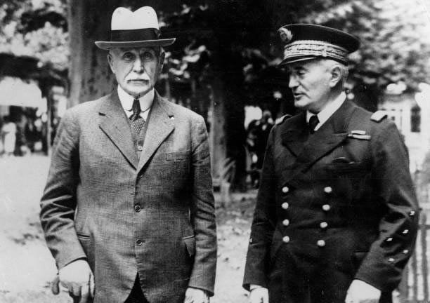 Le Maréchal Pétain et l'amiral Darlan
