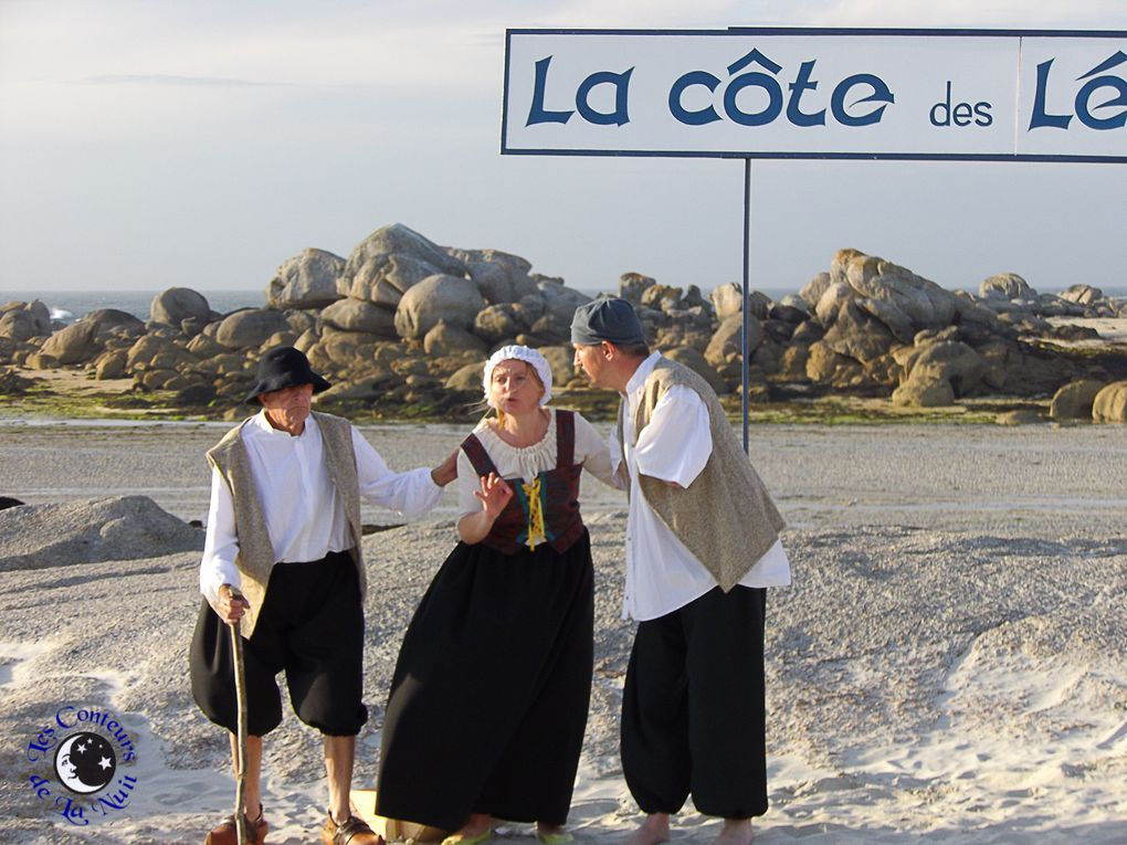 Mystérieuses silhouettes sur la côte des Légendes...
