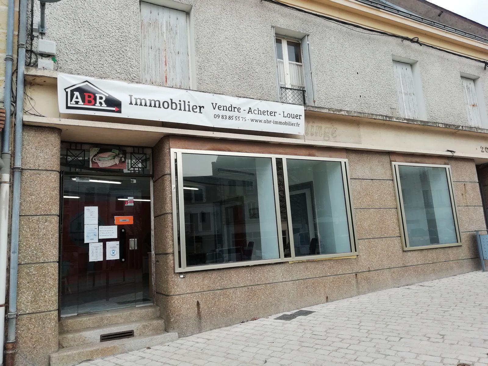 Une nouvelle agence immobilière place du Marché au Blé