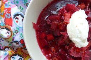 Bortsch, soupe à la betterave rouge et aux légumes russe