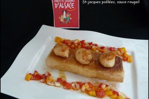 Croustillant de purée de pomme de terre à la vanille, Saint-Jacques poêlées et sa salsa à la mangue (sauce rougail)