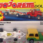 318-A JEEP WRANGLER AVEC FORMULE 1 SHADOW BLISTER DOUBLE MAJORETTE - car-collector.net