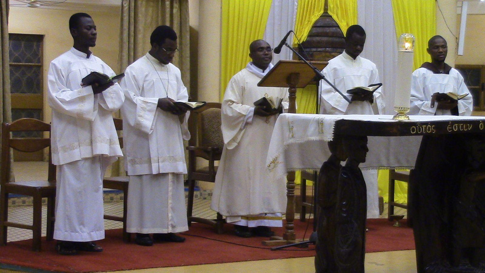 L'abbé Antoine, un père du désert  affirme : «Du prochain vient la vie ou la mort. En effet, si nous gagnons notre frère, nous gagnons Dieu; mais si nous scandalisons notre frère, nous pêchons contre Dieu».