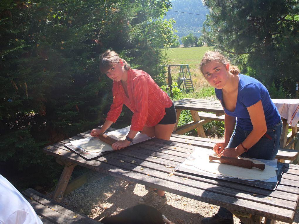 Les  Jeunes  du chantiers ( jeunesse et reconstruction et base  nature ) en action