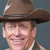 Texas Roadhouse CEO dies amid 'unbearable' COVID-19-related symptoms, family says