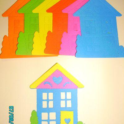 lot de 6 maisons couleurs vives
