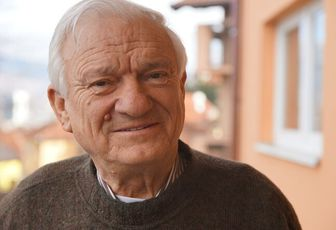 Sarajevo: Ex-Général Serbe-Bosnien Jovan Divjak avec Freddy Mulongo dans le Balkans!
