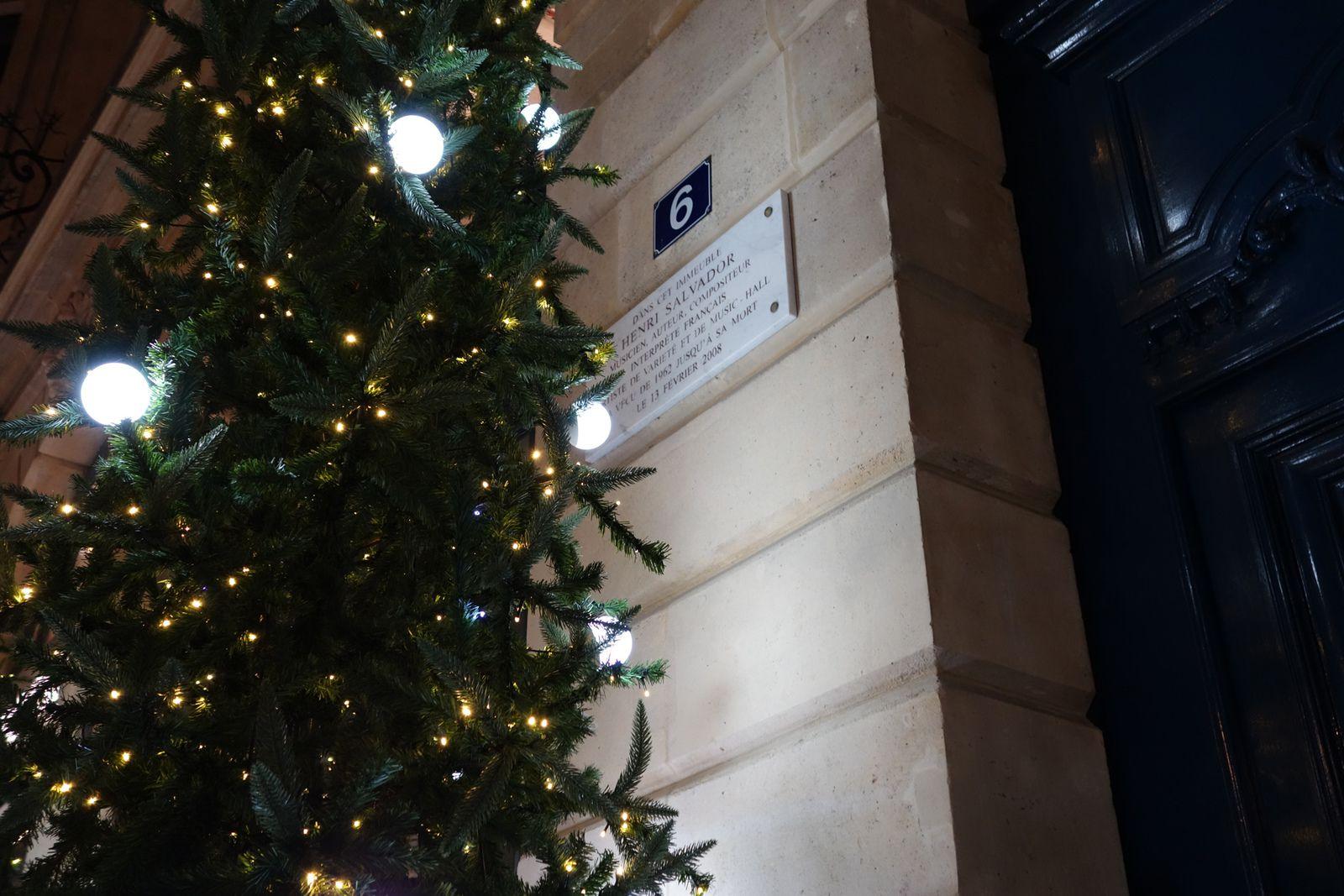 Le chanteur Henry Salvador habitait au 6 de la Place