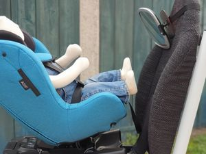 Test du siège auto dos route Axkid Modukid Seat i-Size