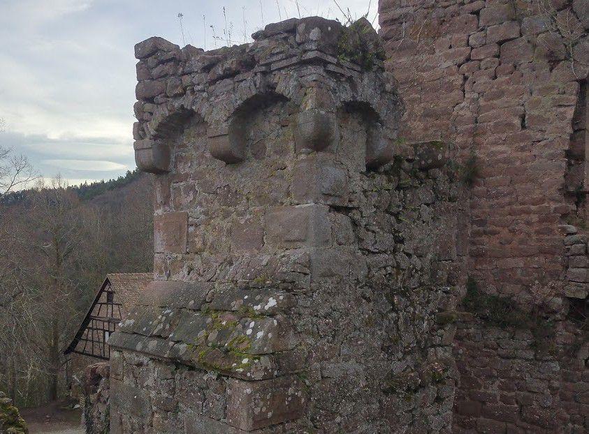 Contrefort de la porte au pont-levis du Lutzelbourg