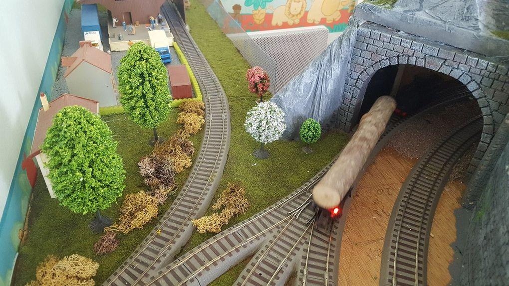 Rail club Terrug Helissen . A fond dans le décor!
