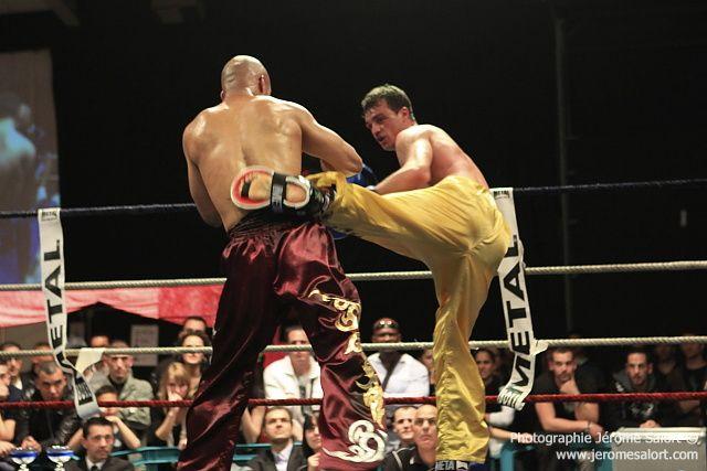 Boxe in défi XIII Finale du tournoi des -76Kg (4x2) Yannick TAMAS vs Karim GHAJJI
