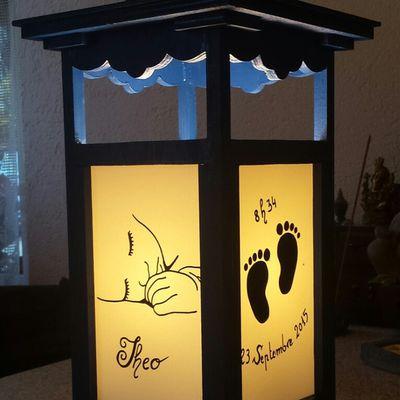 """Lampe en bois fait main  """" Naissance""""   env. 60 cm de haut  (prix sur demande et sur commande)"""