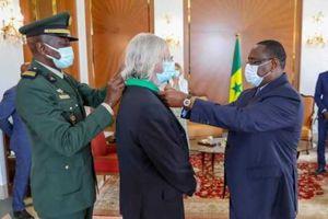 Raoult «banni» en France et honoré au Sénégal