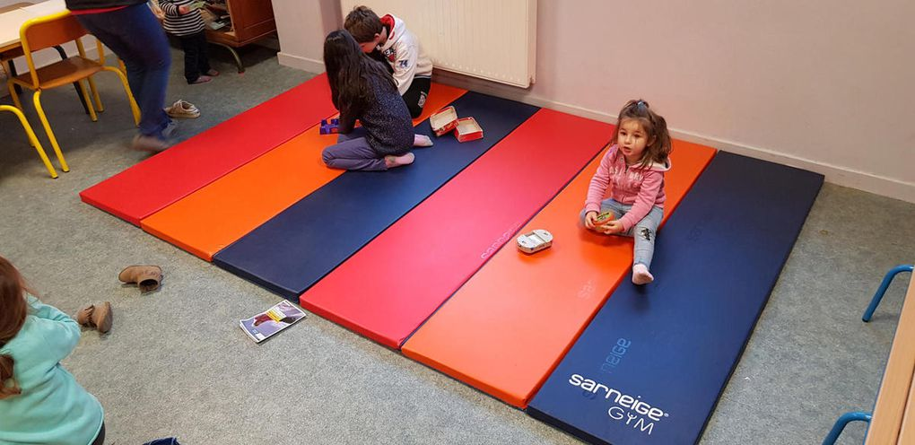Un de nos cadeaux : un tapis pour la garderie