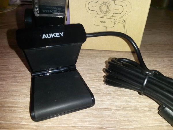 unboxing webcam 2K HD Aukey