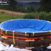 Cet homme rêve d'avoir une piscine et avec 9 palettes en bois, son rêve est devenu une réalité ! - Des idées